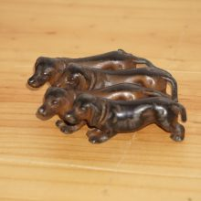 Darling Cold Painted Bronze Group Wiener Dogs Dachshunds Coming Straight For Your Heart